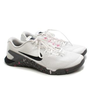 Nike Metcon White and Grey Trainers