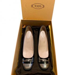 Tod's Black & Silver Pumps