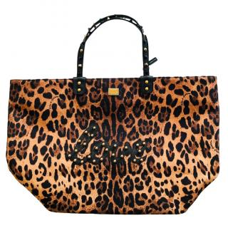 Dolce & Gabbana leopard print studded LOVE shopper beach bag
