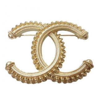 Chanel gold metal brooch year 2018