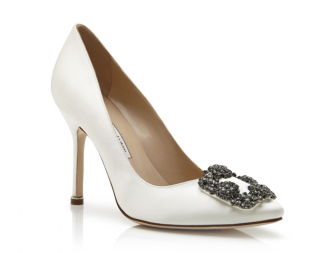 Manolo Blahnik white satin hangisi pumps
