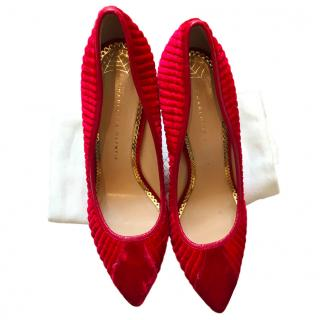 Charlotte Olympia Red Velvet Bacall pumps