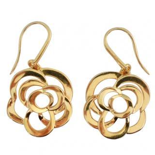 Chanel 18K yellow gold Fil de Camelia earrings
