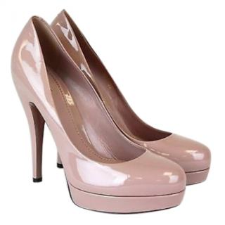 Gucci patent leather nude platform pumps