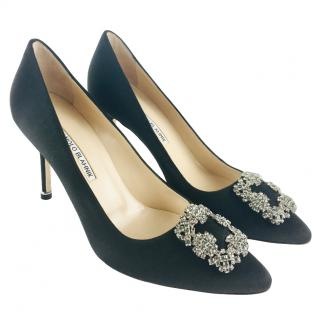 f27db7429 Manolo Blahnik Hangisi Black Satin Pumps