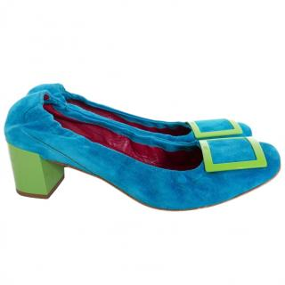 Roger Vivifier Turquoise and lime suede block heel pumps
