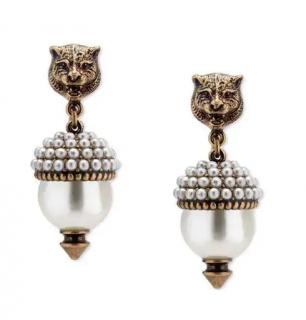 Gucci Feline earrings with resin pearls