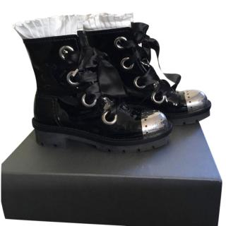 Alexander McQueen metal-cap ruffle ankle boots