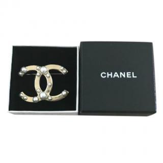 Chanel Gold Tone Pearl CC Brooch