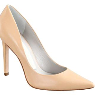 Camilla Skovgaard nude leather pumps