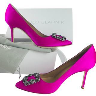Manolo Blahnik Pink Satin Hangisi Pumps