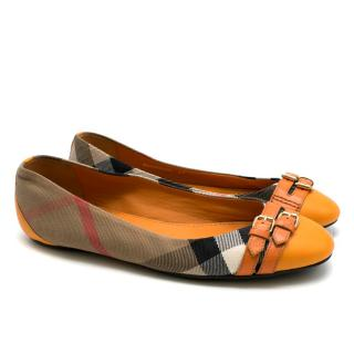 Burberry orange leather & nova check pumps