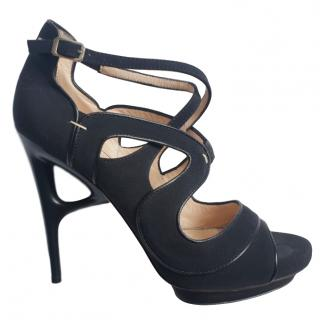 Aperlai black wedge heel sandals
