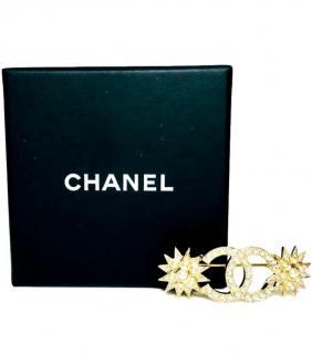 Chanel Faux Pearl CC Star Brooch