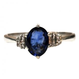 Bespoke Sapphire & Diamond Ring in white gold