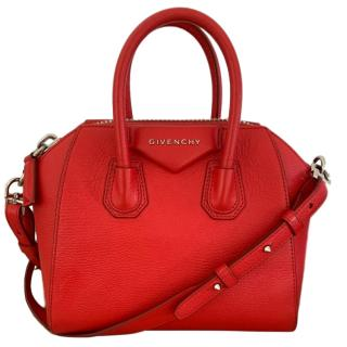 Givenchy Antigona mini grained-leather cross-body bag in red