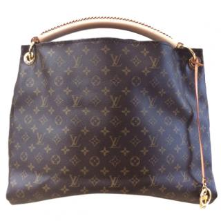 Louis Vuitton Arsty GM bag.