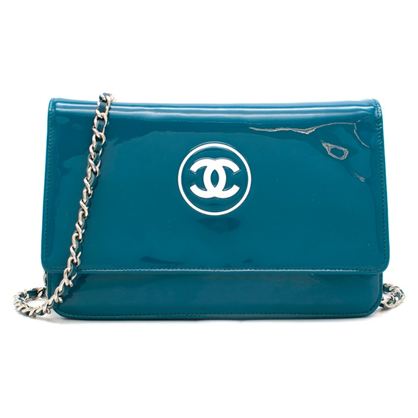 Chanel Patent Embossed CC Wallet On Chain