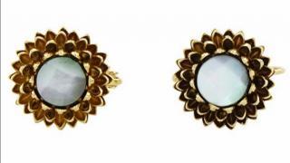 M�decine Douce Garden Mother of Pearl earrings