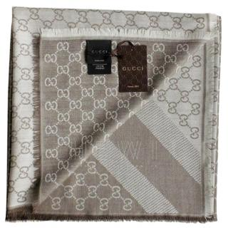 Gucci Monogram Wool & Silk Scarf. color beige. new!