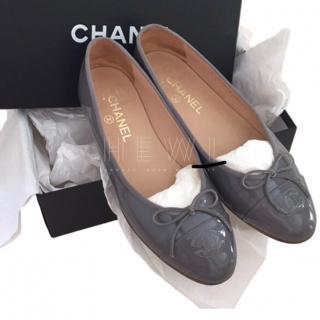 Chanel grey patent flat ballerina pumps