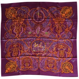 Hermes la charmant aux animaux Silk Scarf 90