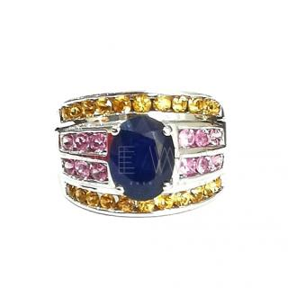 Bespoke vibrant sapphire ring in white gold