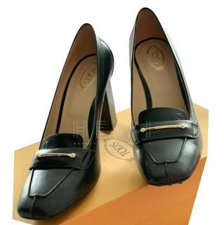 Stylish Tod's Black Leather Block Heel Pumps