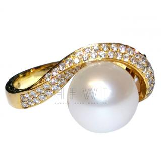 Yoko London Pearl & Diamond 18ct Yellow Gold Ring