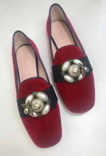Gucci Red Etoile Loafers In Soft Velvet With Macro Bow And Bee Detail