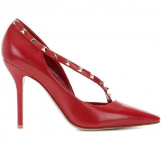 Valentino Asymmetric Rockstud D'Orsay pumps