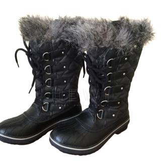 Sorel Black Faux Fur Trim Quilted Snow Boots