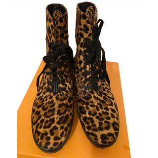 Tod�s pony hair leopard print boots
