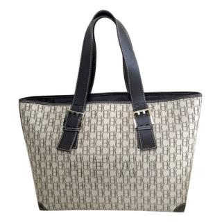 Carolina Herrera logo shopping tote