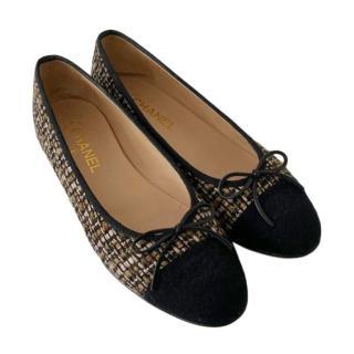 Chanel Tweed & Leather Cap-Toe Ballerina Flats
