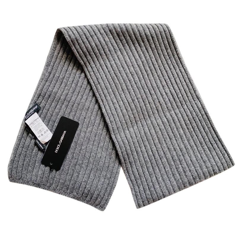 Dolce & Gabbana Men's Grey Ribbed Cashmere Scarf