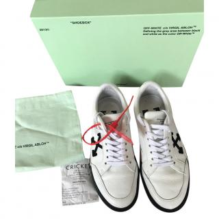 Off White C/O Virgil Abloh arrow low vulcanized trainers