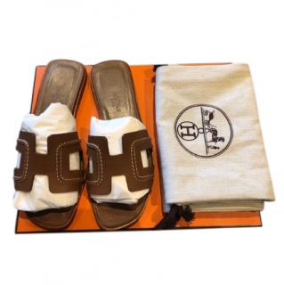 Hermes Limited Edition Gold Oran Sandals