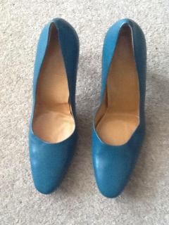 Bally turquoise round pointed toe cap heels