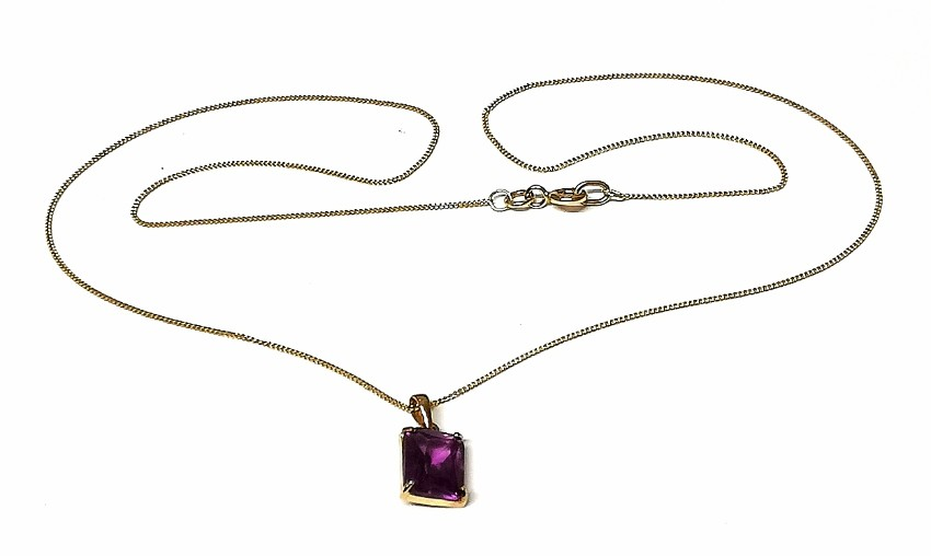 Bespoke Gold Alexandrite Pendant Necklace