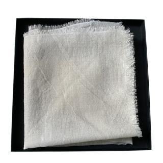 Chanel beige wool/silk/cashmere scarf 85x85cms