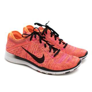 Nike Free TR Knitfly Flyknit Sneakers
