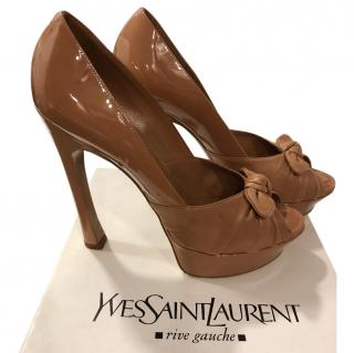 Saint Laurent Nude Patent Bow Front Pumps