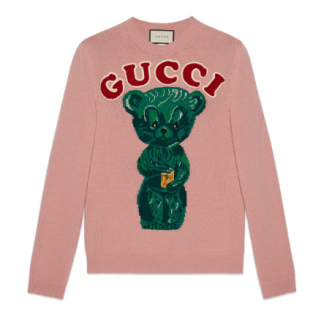 Gucci pink wool oversized bear motif jumper