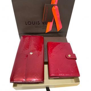 Louis Vuitton Red Vernis Sarah Wallet & Agenda