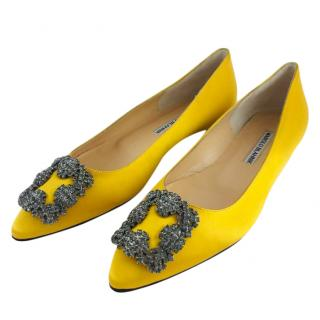 Manolo Blank yellow satin Hangisi Flat shoes