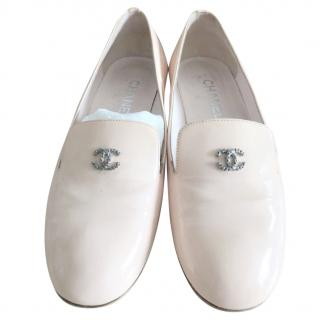 Chanel pale pink patent faux pearl embellished CC loafers