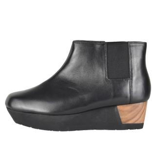 Issues Miyake black leather wedge ankle boots