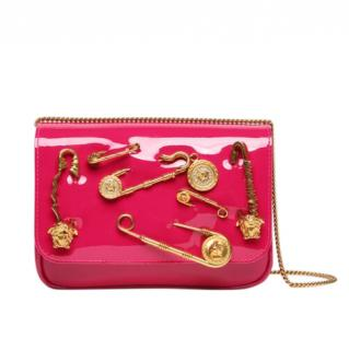 Versace Safety Pin Patent Leather Shoulder Bag In Pink
