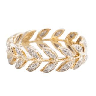 Bespoke gold and diamond heritage ring